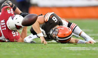 Baker Mayfield de los Browns dice que la decisión de jugar el jueves depende de él