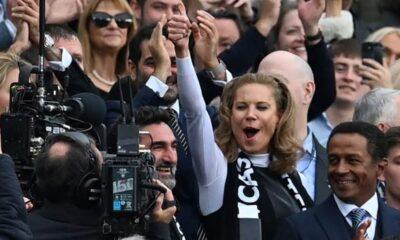 Los dueños del Newcastle reciben un duro recordatorio de la tarea que les espera después de la derrota ante el Tottenham